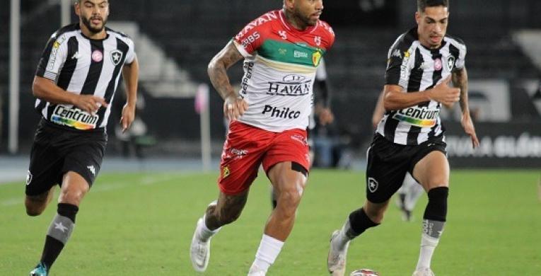 Waguinho Dias ressalta superioridade do Botafogo na derrota do Brusque