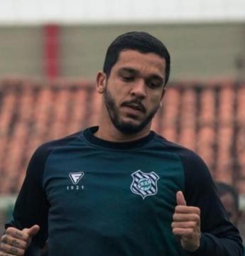 Everton Santos é diagnosticado com Covid-19 e desfalca o Figueirense