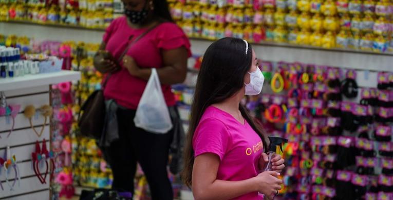 Comércio tem alta de 4,8% nas vendas para o dia das mães, aponta FCDL/SC