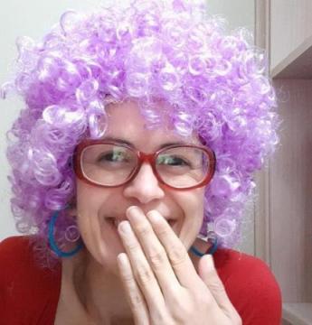 Professora de Florianópolis interpreta personagem Vovó Neném