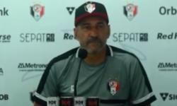 Joinville - Coletiva com Vinícius Eutropio antes de confronto com Atlético-GO
