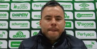 Coletiva de imprensa do técnico da Chapecoense, Jair Ventura