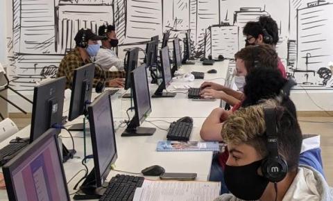 Dados positivos do Caged são traduzidos em transformação na vida de quem consegue trabalho em Florianópolis