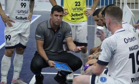 Tubarão Futsal visita o Praia Clube na última rodada da primeira fase