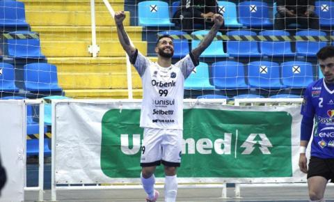 Tubarão Futsal fica no empate com o Praia Clube e avança em quarto lugar na Liga Nacional