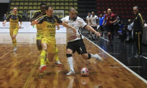 Jaraguá Futsal leva dois gols no final, perde para o Corinthians e está fora da Liga Nacional