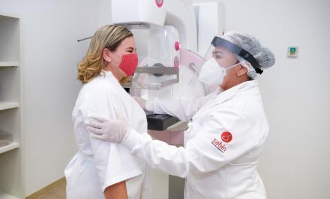 Outubro Rosa: campanha alerta para que mulheres e homens cuidem da saúde das mamas