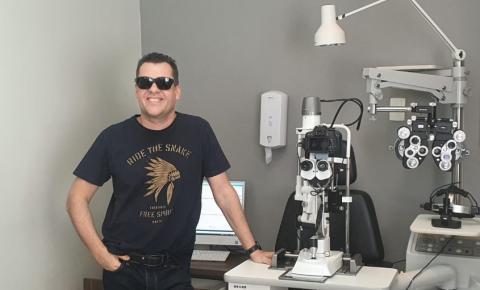 Médico oftalmologista de Governador Valadares acende uma luz no fim do túnel para quem sonha em ver o mundo