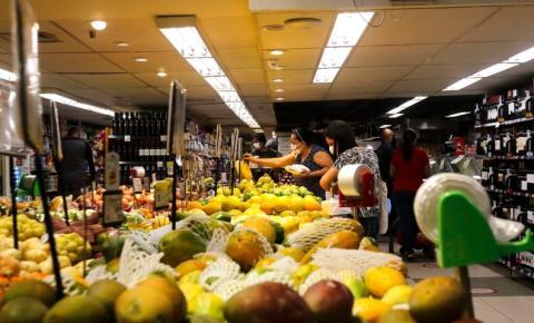 Supermercado gera mais impacto no orçamento doméstico, diz Paraná Pesquisas