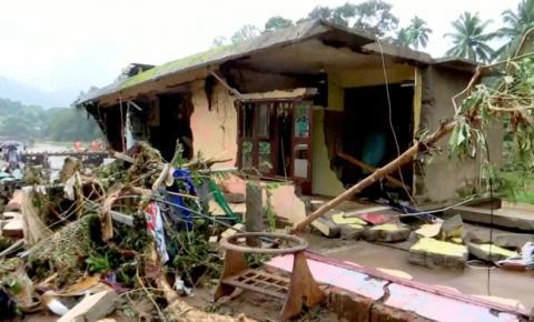 Inundações na Índia interditam ruas, arrastam pontes e matam 46