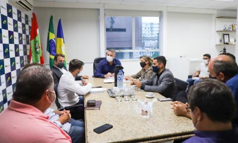 Salmir cobra melhoria do atendimento da Casan em Biguaçu