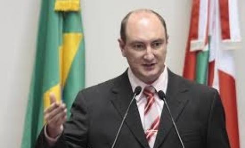 Com 38 votos a favor e uma abstenção, Mauro de Nadal é o novo presidente da Alesc