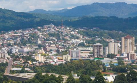 Santa Catarina registra mais 77 óbitos e 6.050 novos casos de Covid-19