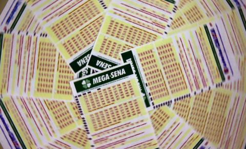 Mega-Sena sai para um apostador que ganha 49 milhões