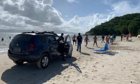 Florianópolis intensifica fiscalização nas praias para tentar frear o contágio pela Covid-19