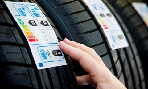 Especialistas ensinam como ler etiqueta e código do pneu na hora da compra