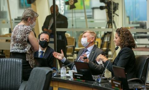 Deputados de SC cobram união entre poderes para superar a pandemia