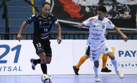 Tubarão perde para o Pato Futsal por 3 a 1 na Liga Nacional