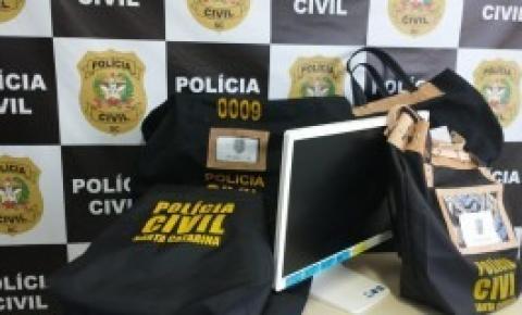 """Polícia Civil e MP de Contas deflagram operação """"Fosso Limpo"""" em Florianópolis e Palhoçac"""