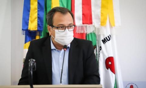 Vice-prefeito de Biguaçu, Alexandre Martins de Souza, está internado em decorrência da Covid-19