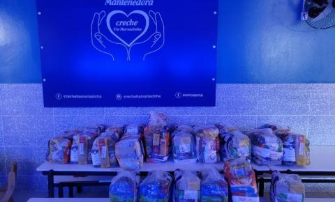 São José: Policiais civis entregam doações de 400 quilos de alimentos para associação e creche