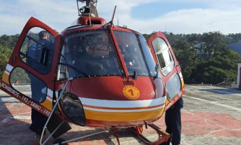 Adolescente é levado pelo resgate dos Bombeiros a hospital de São José após queda na Ponta do Papagaio
