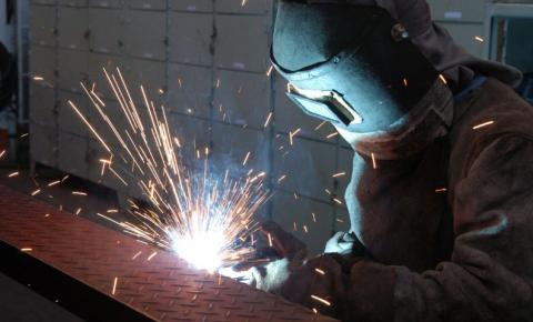 FGV diz que confiança da indústria atinge maior patamar desde janeiro