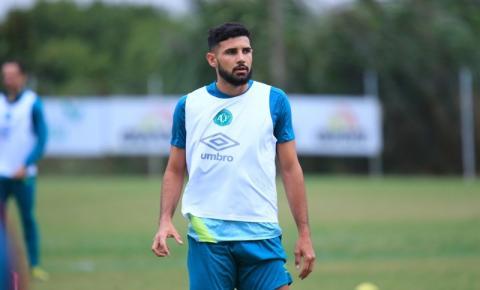 Sem Ignácio e Felipe Santana lesionados, Chape sofre para ajustar setor defensivo
