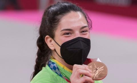 Mayra Aguiar conquista bronze no judô na Olimpíada de Tóquio