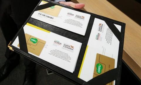 Palhoça recebe 366 cartões do programa de auxílio SC Mais Renda