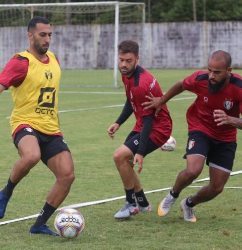 FCF confirma jogo entre Metropolitano e Joinville na quinta; JEC teve 30 integrantes com Covid-19 e diz que não joga